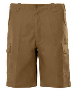 Bermuda Shorts mit mehreren Taschen. Farbe Sand