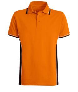 Zweifarbiges Kurzarm Poloshirt mit zweifarbiger Doppelpaspel an Kragen, Unterarm und Seitenband. Farbe: orange/schwarz
