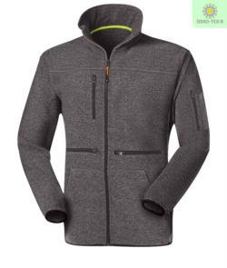 Langer Reissverschluss Fleece mit Fleece Strickgewebe, mit einer Brusttasche mit Reissverschluss, kontrastierender Reissverschluss. Farbe:dunkel grau