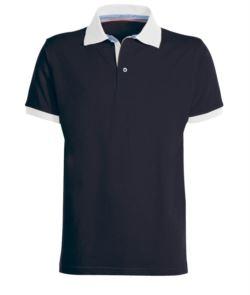Zweifarbiges Poloshirt aus Baumwolle mit kontrastfarbenem Kragen und Aermelboden, Farbe  Marineblau.